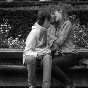 Erster Kuss mit neuer Freundin