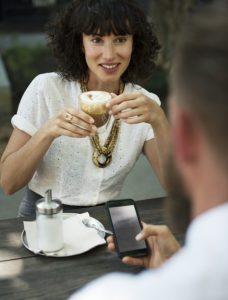 Online Dating: Wann sollte man sich persönlich treffen? | Lovehacks