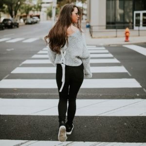 Frau auf Straße ansprechen